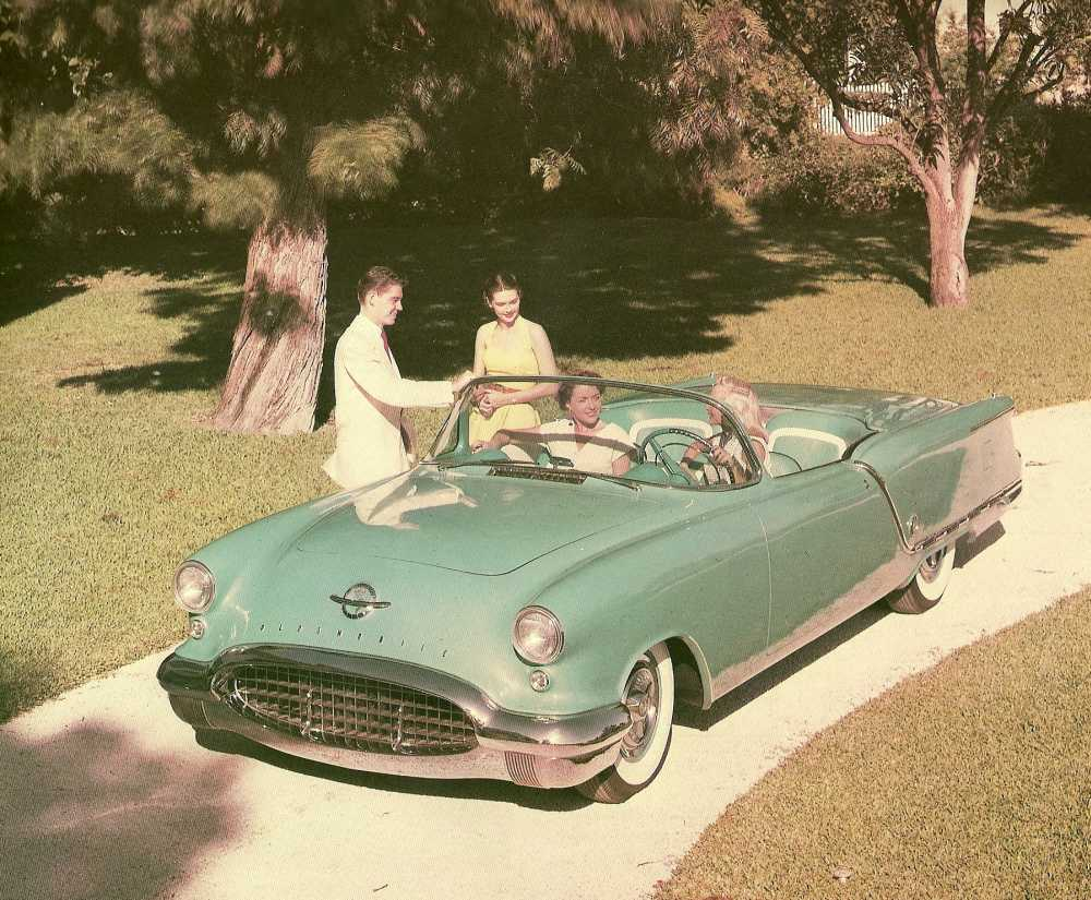 1953_Oldsmobile_Starfire_Convertible_Show_Car_03